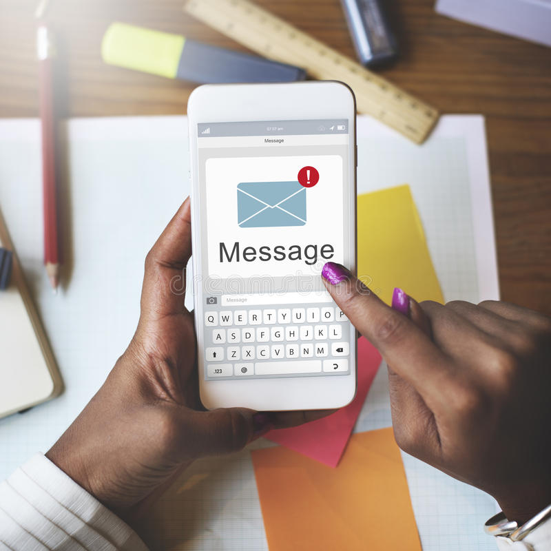 Conceito de uma comunicação do bate-papo do correio de texto da mensagem imagens de stock