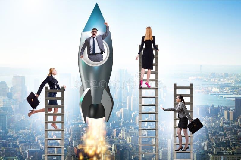 Conceito desigual das oportunidades da carreira para homens e mulheres foto de stock royalty free