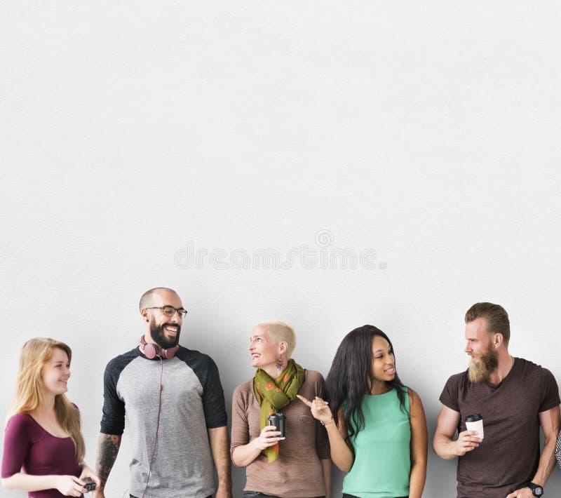 Conceito diverso da unidade da comunidade do grupo de pessoas imagens de stock