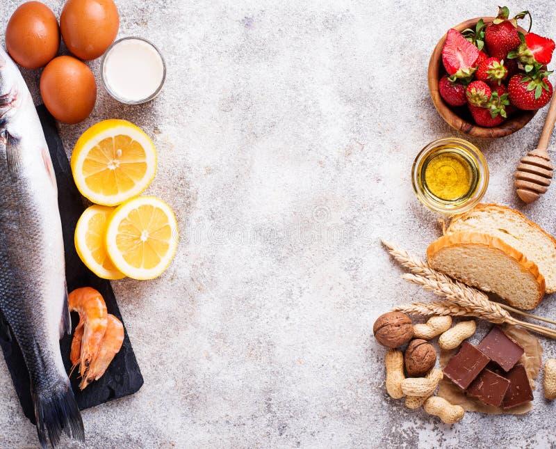 Conceito do alimento da alergia Classificado de produtos alérgicos imagem de stock