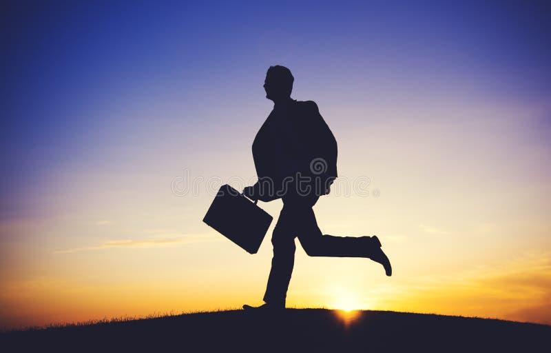 Conceito do alvo da missão da ocupação de Running Up Hill do homem de negócios fotos de stock
