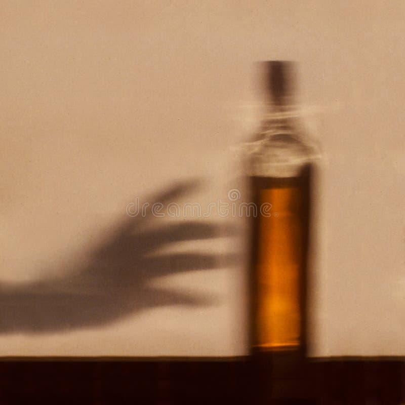 Conceito do apego de álcool imagem de stock