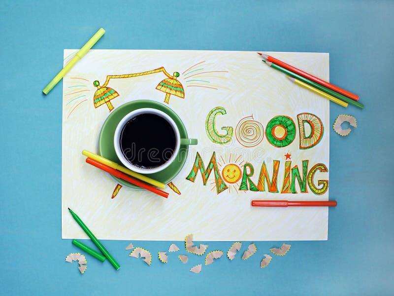 Conceito do café e do despertador do bom dia Xícara de café com o despertador tirado mão foto de stock