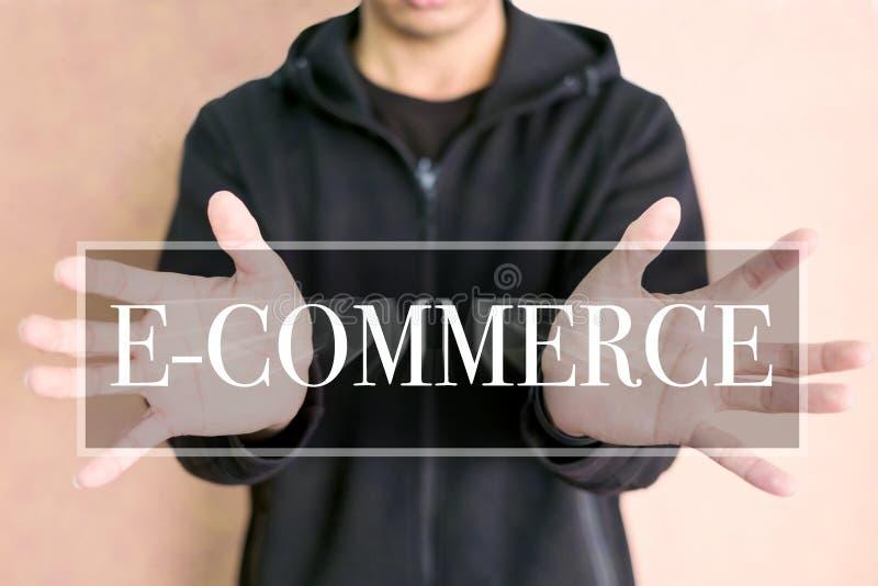 Conceito do comércio eletrônico em uma tela digital foto de stock