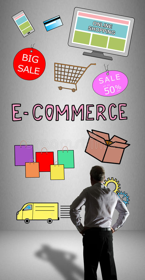 Conceito do comércio eletrônico olhado por um homem de negócios fotografia de stock royalty free