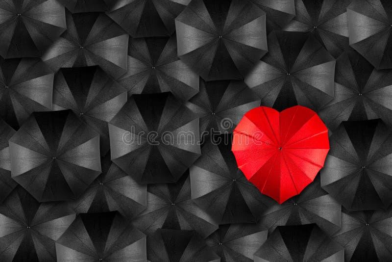 Conceito do coração do guarda-chuva imagens de stock