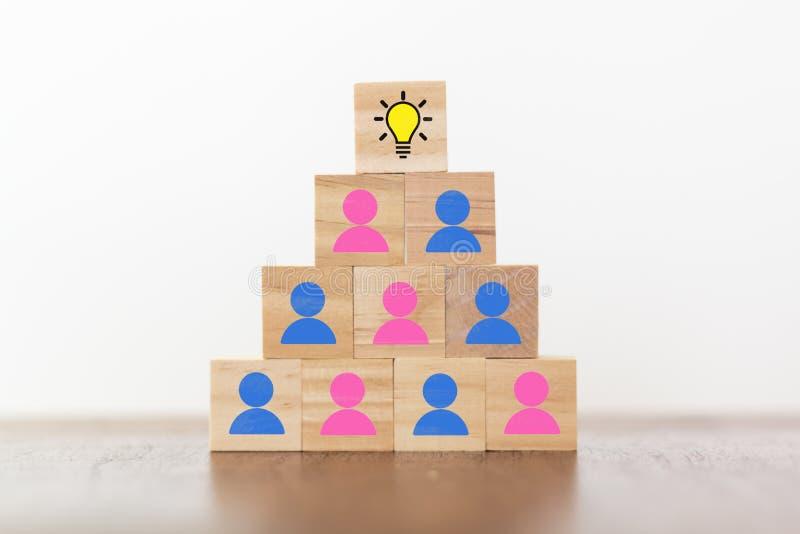 Conceito do corporaçõ de negócio, da igualdade de gênero, da inovação, da inspiração e da ideia criativa fotos de stock royalty free