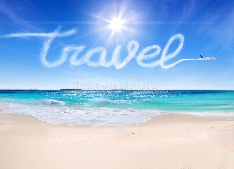 Conceito do curso às praias tropicais fotografia de stock