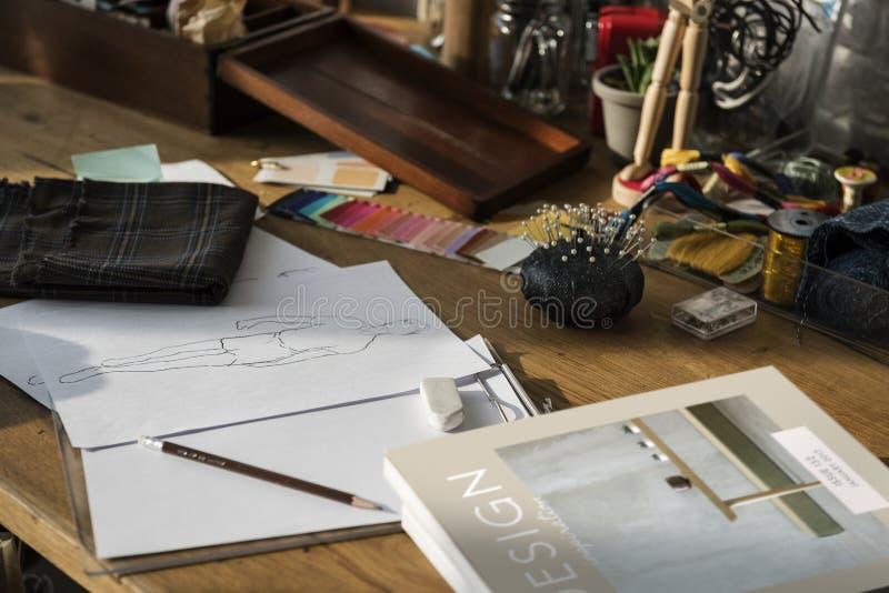 Conceito do desenho de projeto da roupa de forma imagem de stock