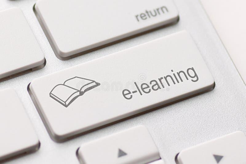Conceito do ensino electrónico. Teclado de computador imagem de stock royalty free