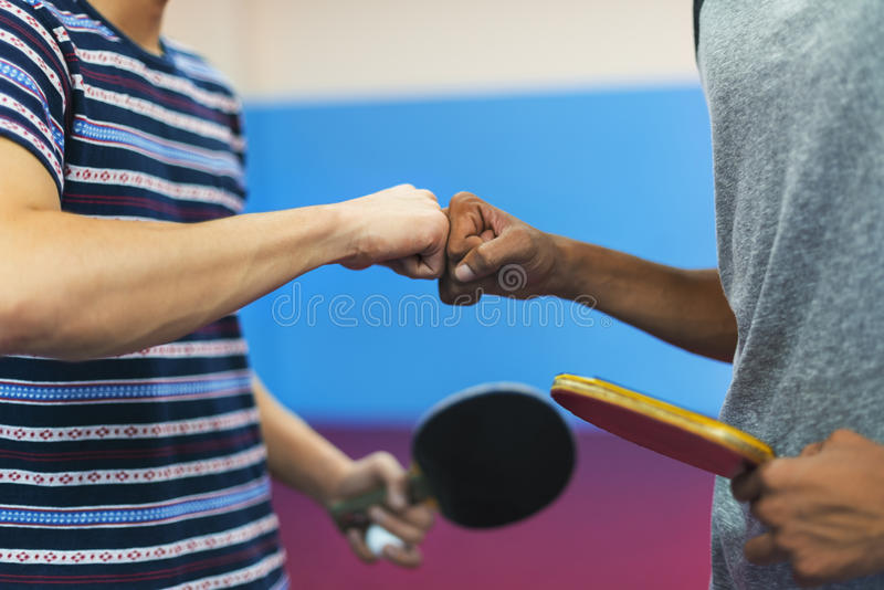 Conceito do esporte de Ping Pong Table Tennis Game Practicing imagem de stock royalty free