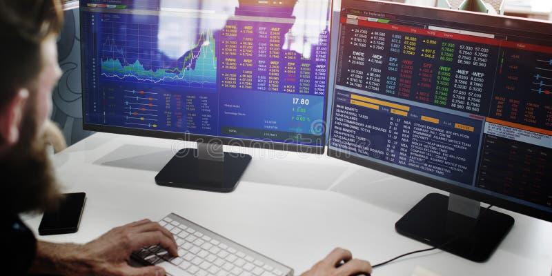 Conceito do estoque de Working Finance Trading do homem de negócios imagens de stock royalty free