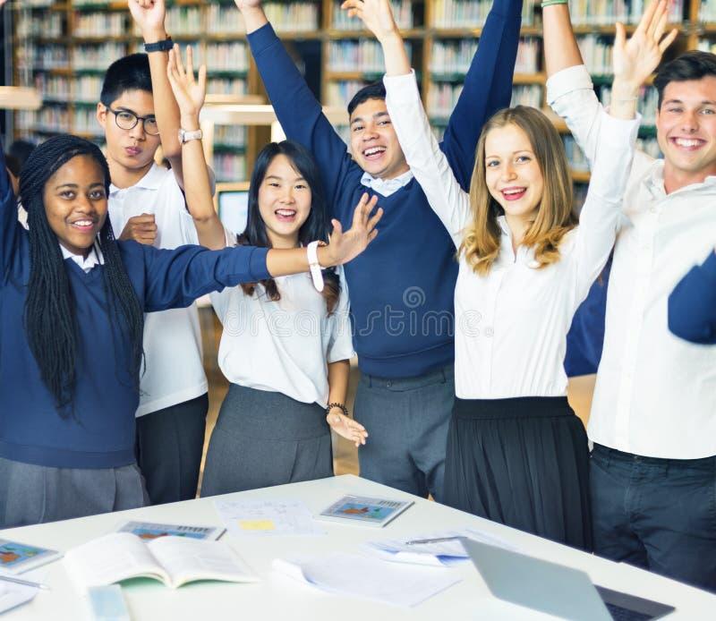 Conceito do estudo de Classmate Friends Understanding do estudante fotos de stock