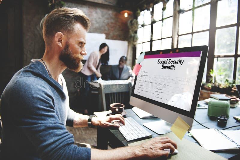 Conceito do formulário dos benefícios de segurança social imagens de stock