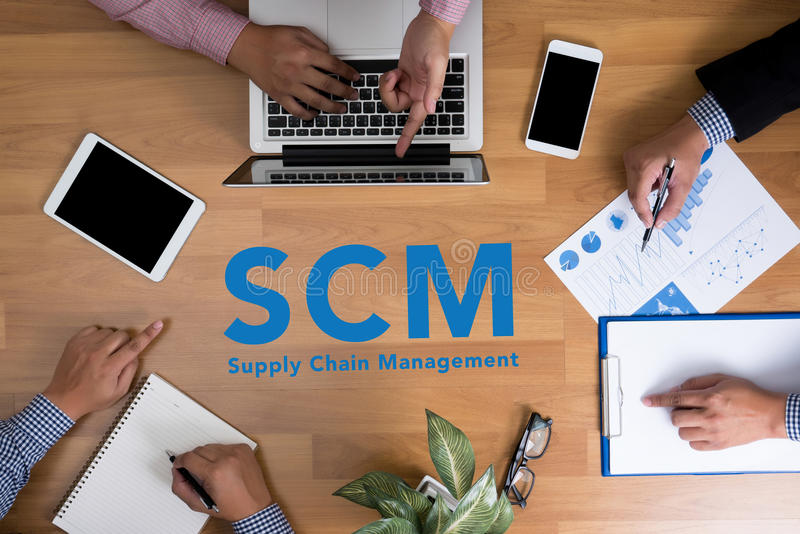 Conceito do gerenciamento da cadeia de suprimentos de SCM imagem de stock royalty free