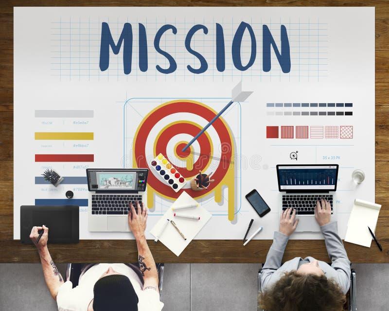 Conceito do gráfico do dardo do negócio dos objetivos do alvo da seta da missão fotos de stock royalty free