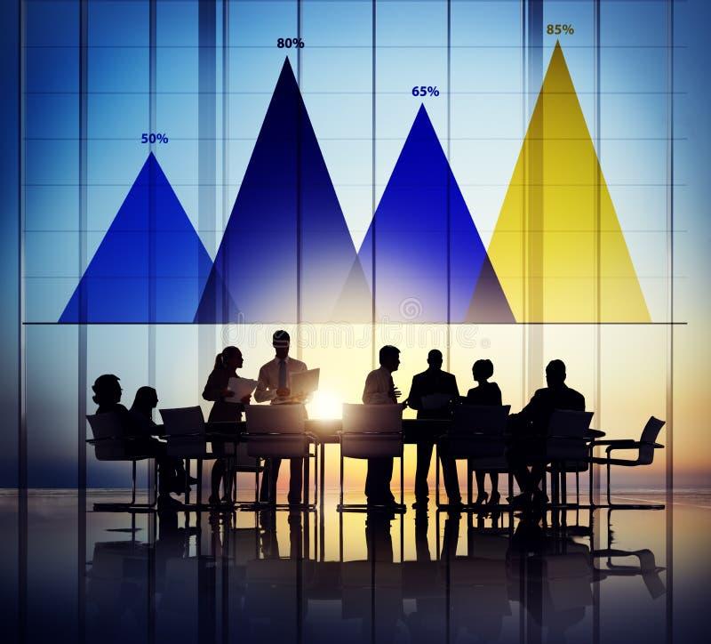 Conceito do gráfico do mercado da estratégia de análise dos dados comerciais fotos de stock