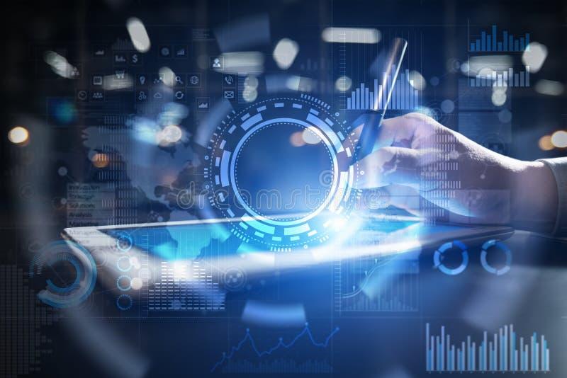 Conceito do Internet, do negócio e da tecnologia Fundo dos ícones, dos diagramas e dos gráficos na tela virtual ilustração stock