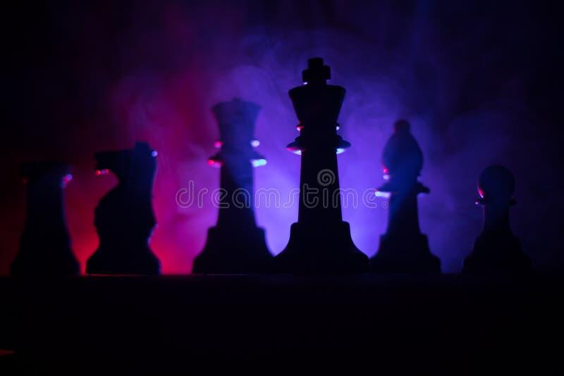 Conceito do jogo de mesa da xadrez do conceito das ideias do negócio e das ideias da competição ou da estratégia A xadrez figura  fotos de stock royalty free