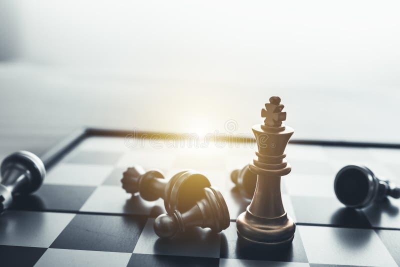 Conceito do jogo de mesa da xadrez de ideias do negócio foto de stock royalty free