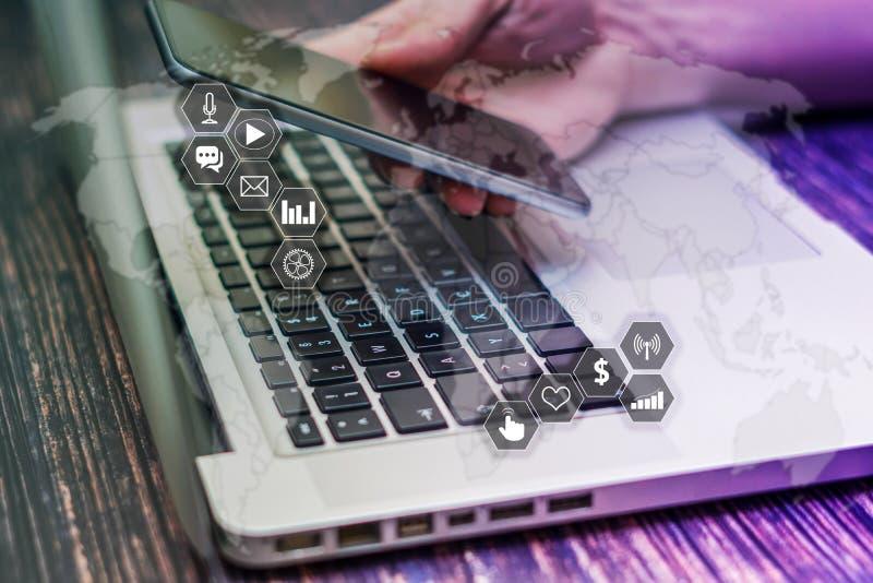 Conceito do mercado e da estratégia empresarial na tela virtual fotografia de stock