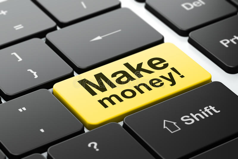 Conceito do negócio: Faça o dinheiro! no fundo do teclado de computador fotos de stock royalty free