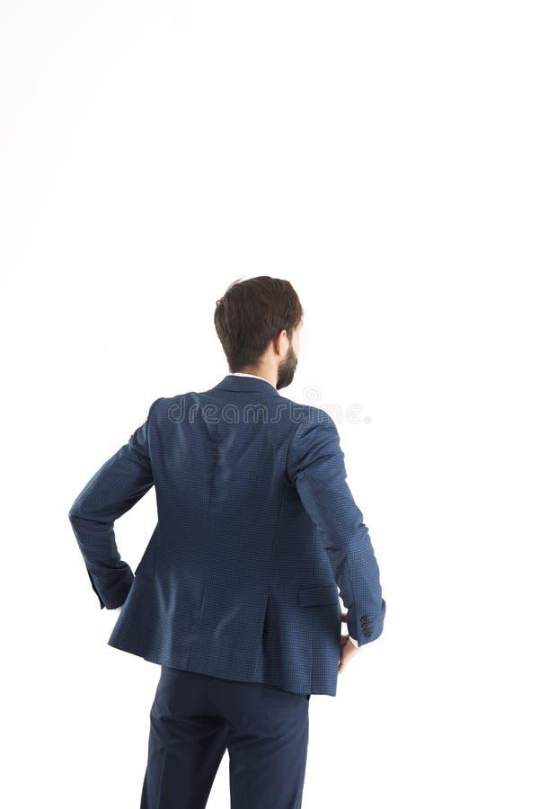 Conceito do sucesso comercial - homem de negócios que está de volta ao camer imagens de stock