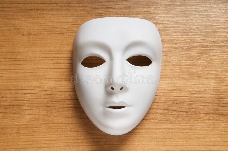 Conceito do teatro - máscaras brancas foto de stock