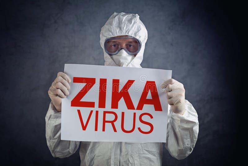 Conceito do vírus de Zika, trabalhador médico na roupa protetora fotografia de stock royalty free