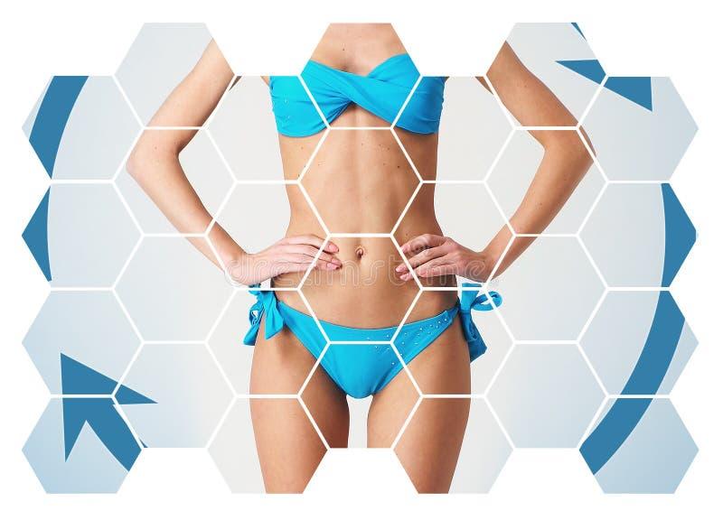 Conceito dos cuidados médicos, da dieta, do esporte e da beleza Corpo fêmea bonito Mulher no Swimsuit imagens de stock royalty free