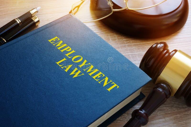 Conceito dos direitos laborais Livro em uma mesa imagens de stock royalty free