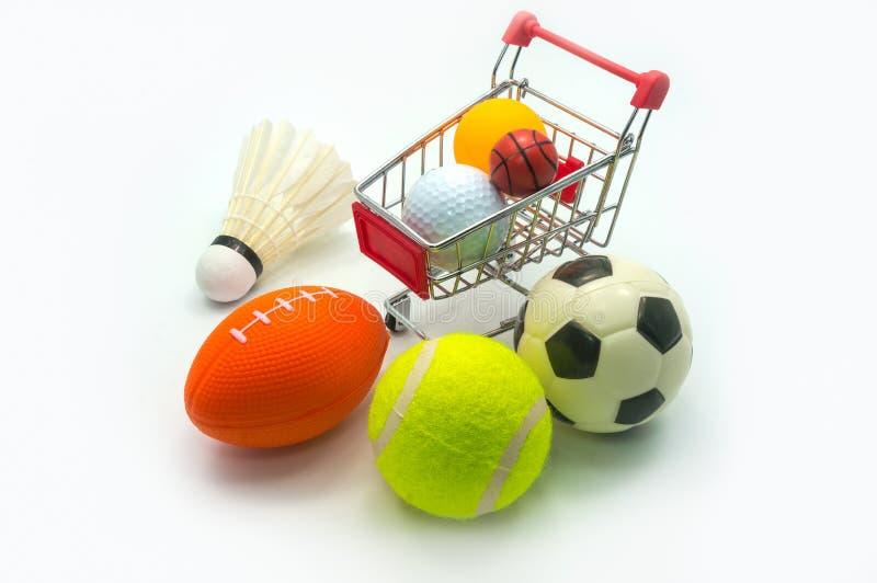 Conceito dos esportes: Várias bolas dos esportes foto de stock royalty free