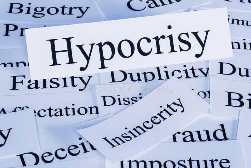 Conceito e palavras da hipocrisia foto de stock