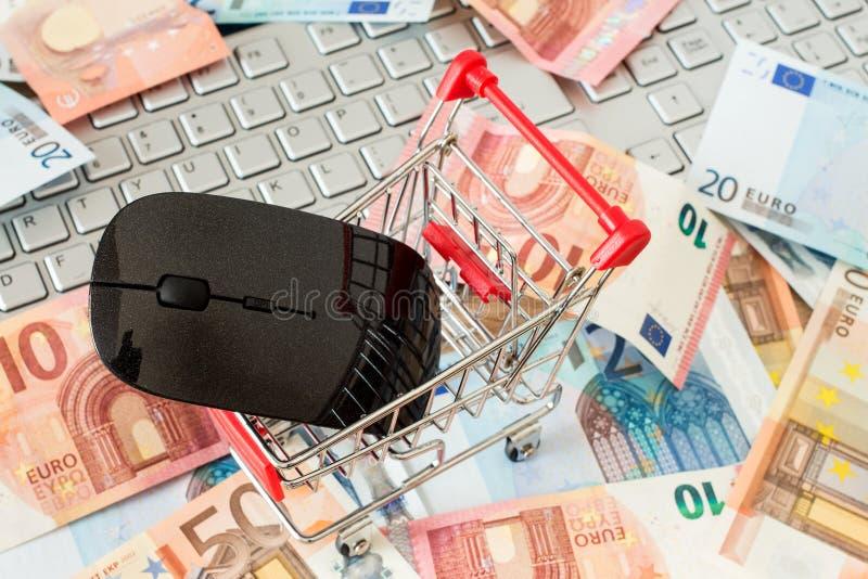 Conceito em linha da compra do Internet imagens de stock royalty free