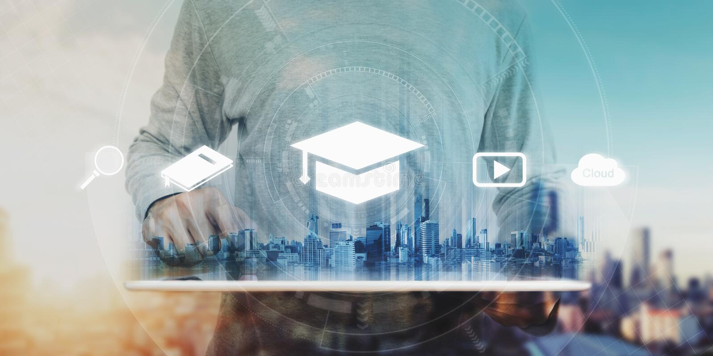 Conceito em linha da educação, do ensino eletrónico e do eBook um homem que usa a tabuleta digital para a educação, com educação  fotos de stock