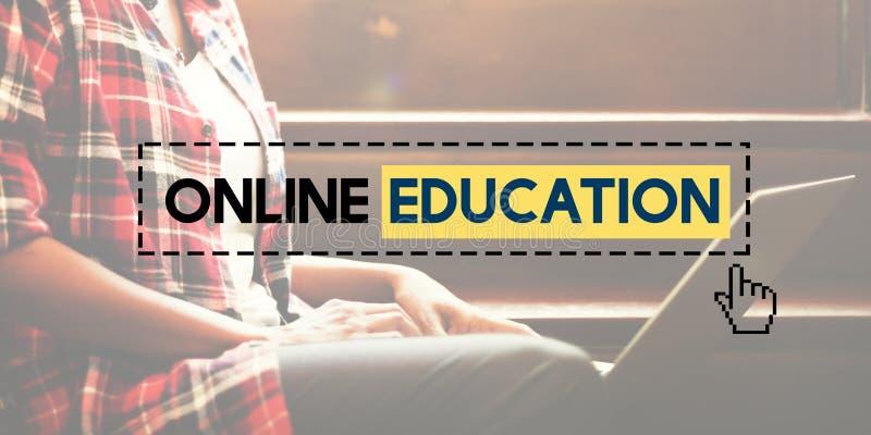 Conceito em linha da tecnologia do conhecimento do ensino eletrónico da educação foto de stock