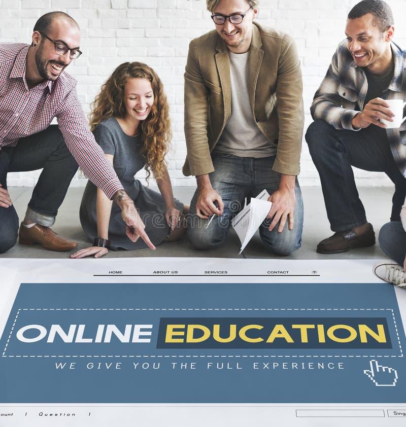 Conceito em linha da tecnologia do ensino eletrónico do homepage da educação imagens de stock royalty free