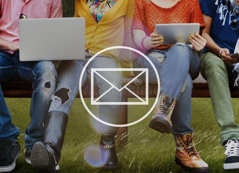 Conceito em linha do Internet da mensagem do correio do email imagem de stock royalty free