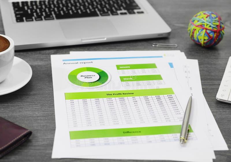 Conceito financeiro da avaliação fotografia de stock