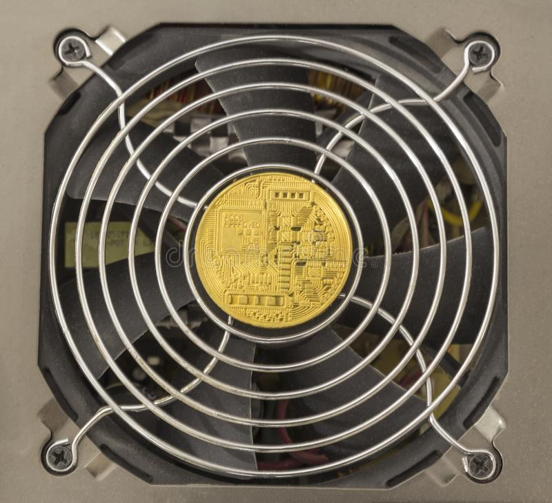 Conceito financeiro do negócio de dinheiro do Internet da tecnologia do cryptocurrency de Bitcoin fotos de stock royalty free