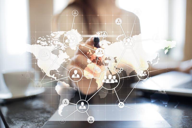Conceito global da terceirização e do recrutamento na tela virtual Solução moderna do negócio imagens de stock