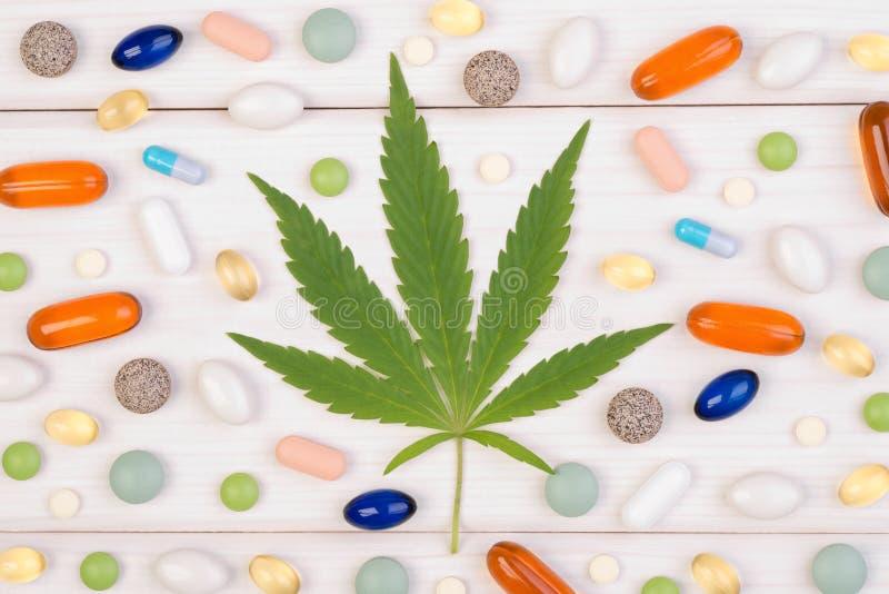 Conceito médico da marijuana fotografia de stock royalty free