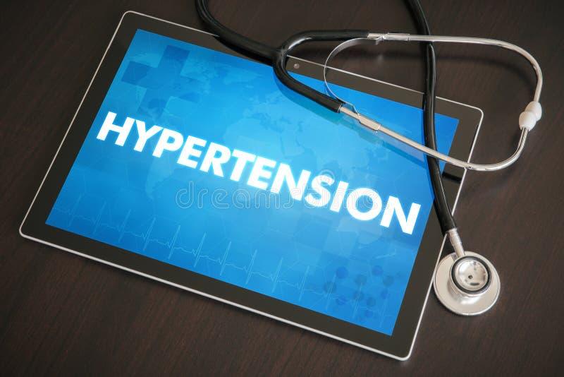 Conceito médico do diagnóstico da hipertensão (desordem de coração) na tabela imagens de stock