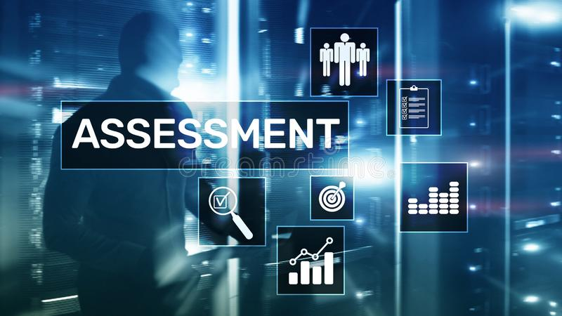 Conceito medida do negócio e da tecnologia da análise da analítica da avaliação da avaliação no fundo borrado fotografia de stock