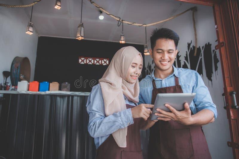 Conceito muçulmano do empresário junto foto de stock
