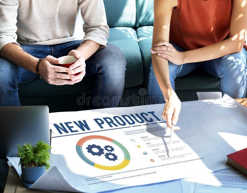 Conceito novo do sucesso do desenvolvimento de produtos imagem de stock