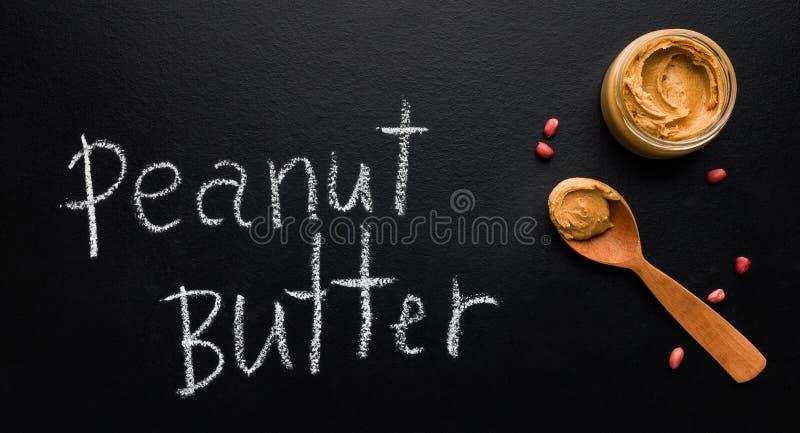 Conceito orgânico da manteiga de amendoim imagem de stock royalty free
