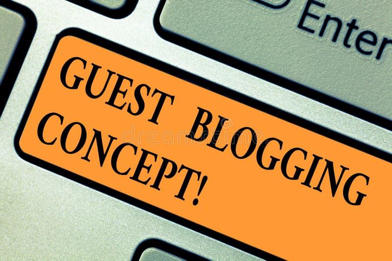Conceito publicando em blogs do convidado do texto da escrita Significado do conceito que escreve um cargo do blogue a ser emitid fotos de stock royalty free