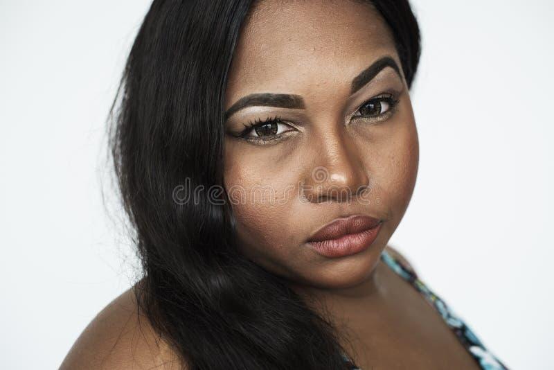 Conceito sério do retrato do estúdio da mulher foto de stock royalty free