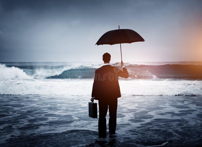 Conceito só de Alone Anxiety Beach do homem de negócios fotografia de stock royalty free